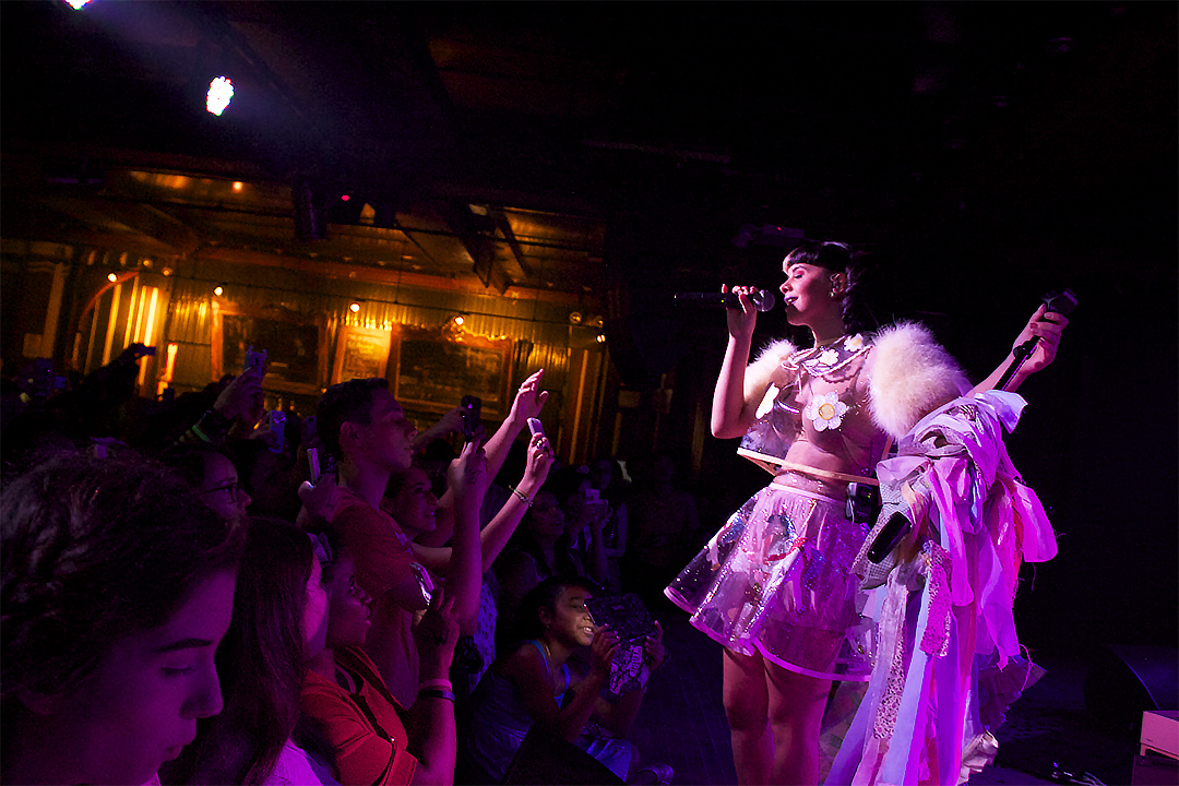 Melanie Martinez Dolls It Up In Nyc Atlantic Records Official Blog